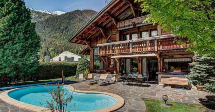 Read our update on how the currency market is faring ahead of your ski-home property purchase.