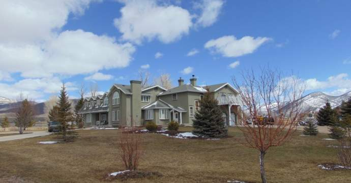 Seven bedroom ranch in Oakley makes a superb year round home